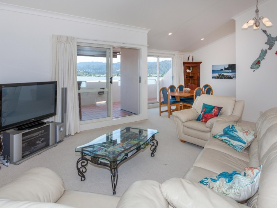 Unit 3, 2 The Esplanade, Tairua