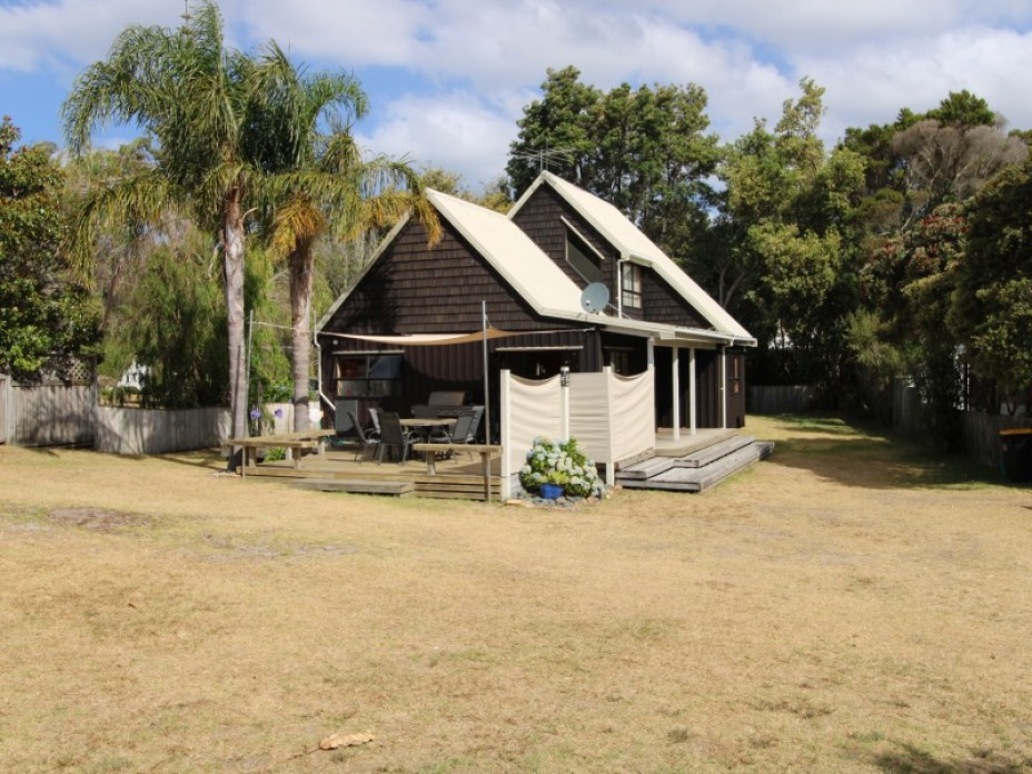 105 Puriri Place, Matarangi