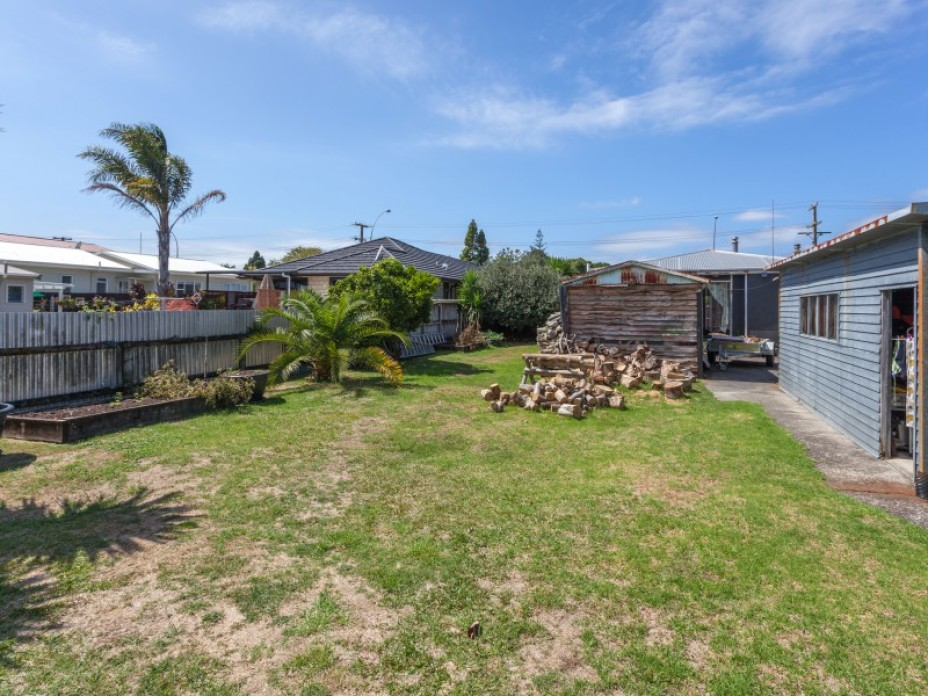 247 Main Road, Tairua