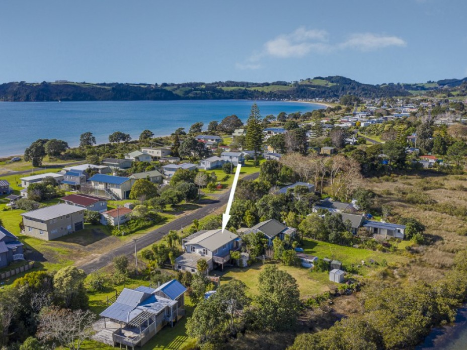 4 Riverview Road, Cooks Beach